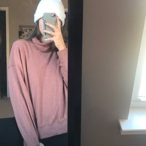 Rose colored casual sweatshirt